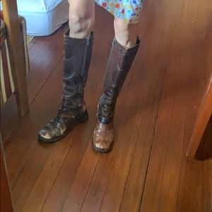 Beautifully destructed costume national boots 36.5